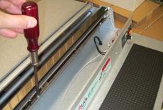 電気部品の配線は全てコネクター式。<br /> そのため、ドライバーでお客様にて修理可能です。<br /> ※修理要請も承ります