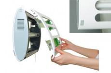 2ヶ所のボタンをスライドさせるだけで全面カバーを開くことができます。簡単に捕虫紙やランプの交換ができます。