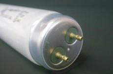 ランプが落下・破損すると異物混入のリスクが高まります。そのため、捕虫器用ランプは飛散防止型を使用すると安全です。 ※AIB仕様での出荷(オプション)も可能です。
