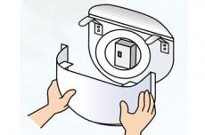 捕虫紙をセットするだけ!面倒な操作はありません。また、カバーの脱着が容易でカンタンに捕虫紙を交換できます。
