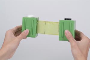 捕虫紙を60日間(または90日間)かけて自動で巻き取ります。60日間(または90日間)メンテナンス不要で便利です。